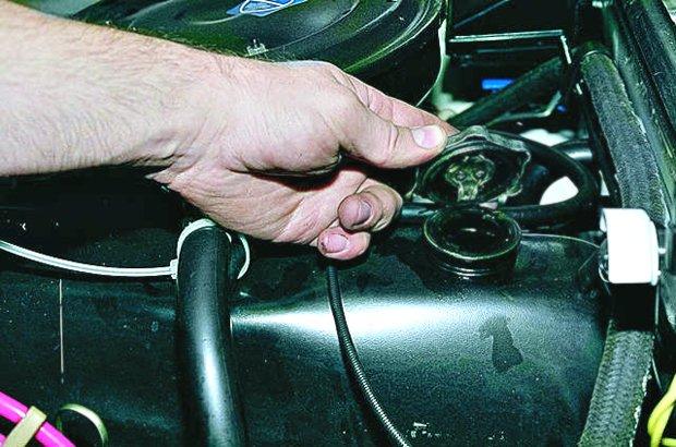 Замена масла в двигателе ВАЗ 2106 какой масляный фильтр лучше чем промыть систему инструкции с фото и видео
