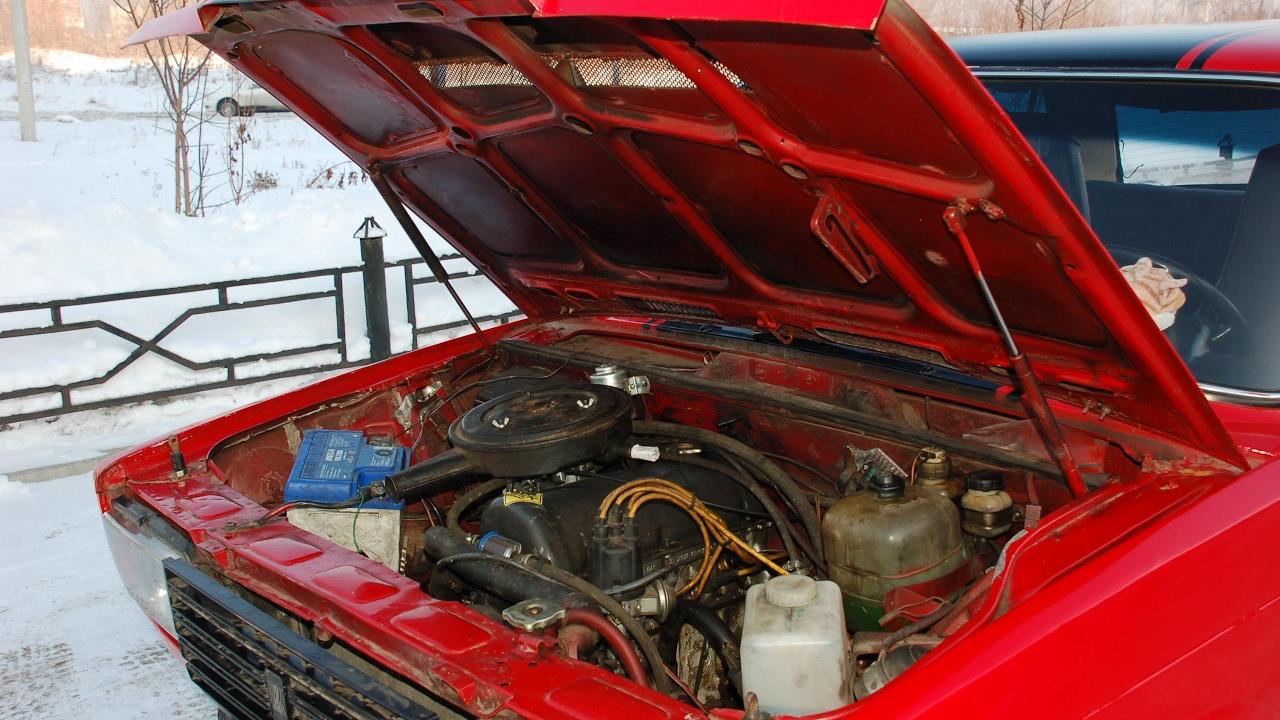 Как открыть капот ВАЗ 2107 регулировка замка замена тросика установка воздухозаборника инструкции с фото и видео