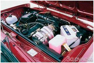 Капот с инжекторным двигателем