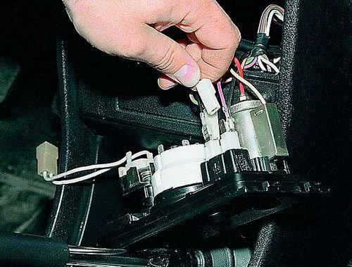 Минусовой провод на корпус прикуривателя