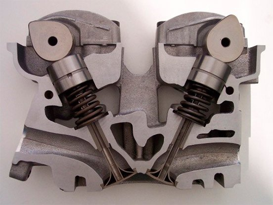 Механизм с двумя клапанами